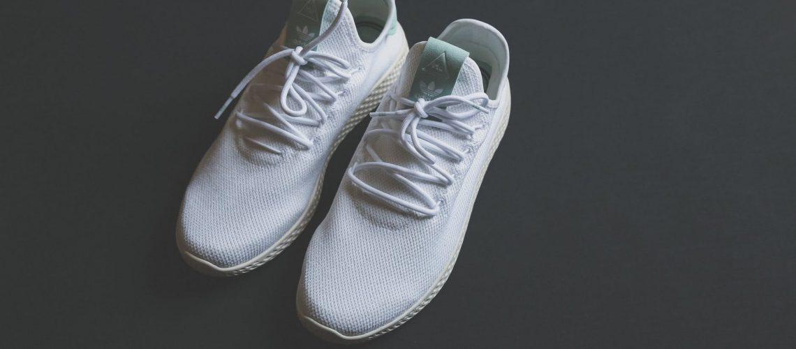 נעלי אחיות